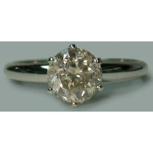 1.50 carat Round diamond solitaire engagement ring